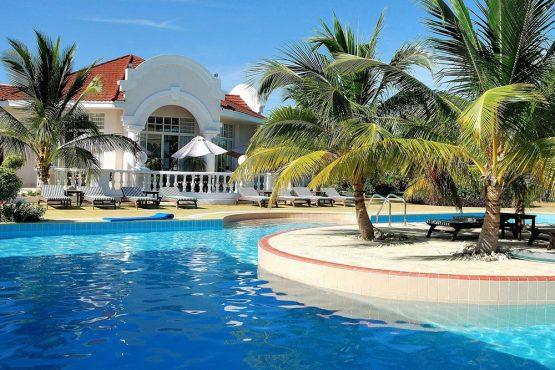 2004-HOTEL-DE-LUXE-CAYO-ENSENACHOS-CUBA-P-1-1000x667